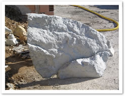 Rocce finte pareti rocciose arredo giardino roccioso - Rocce per giardino ...