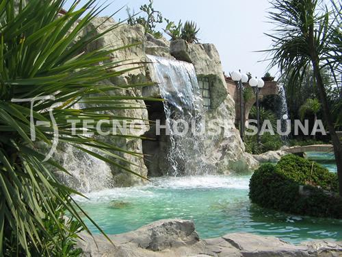 Rocce finte pareti rocciose arredo giardino roccioso - Piscine rocciose ...